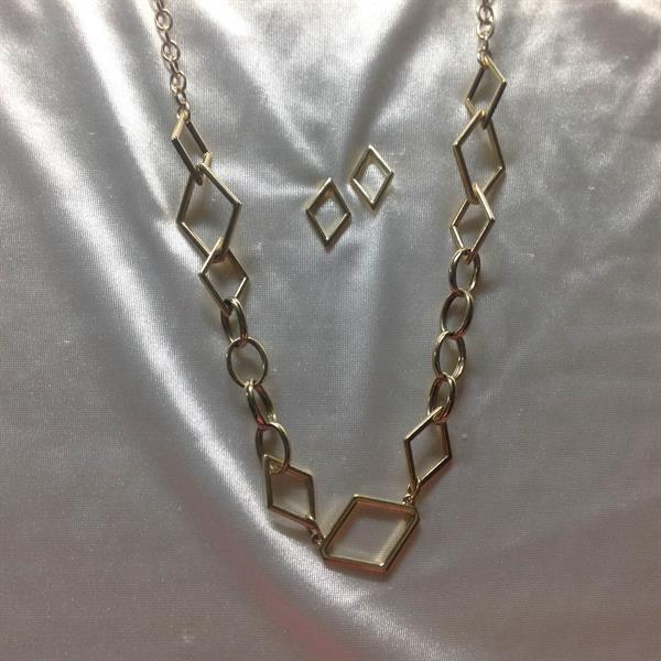 Gold Oval and Diamond Link Chain Necklace & Earring Set. $10.00