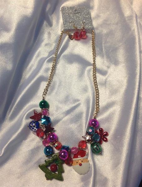 UINERFNE4959GDMT  CHRISTMAS NECKLACE AND EARRING SET  $10.00