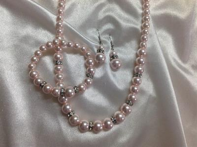 "20"" Pink Glass Pearl Necklace & Earring & Bracelet Set.  $9.00"