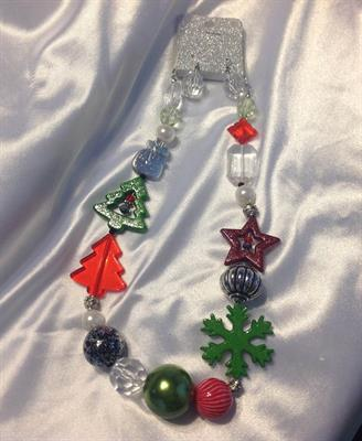 UINERFNE2598RHMT CHRISTMAS NECKLACE AND EARRING SET $10.00