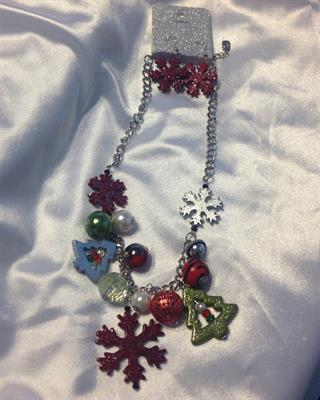 UINERFNE4427RHMT  CHRISTMAS NECKLACE AND EARRING SET  $10.00