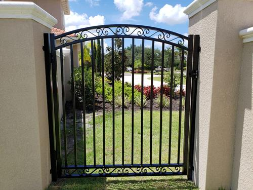 Custom aluminum Gate
