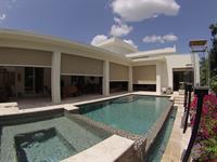 Textilene 90% solar protection on outdoor patio area