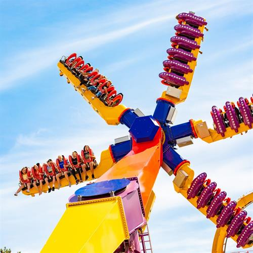 Top Scan - over 6 stories high and one of Mondial's most popular flat rides.