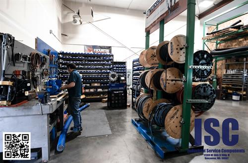 Our hydraulic and industrial hose shop, equipped with several crimpers each designated for a specific job to allows us maximize our capabilities and efficiency
