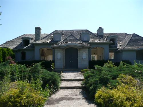 Front view after the Pre-demolition sale