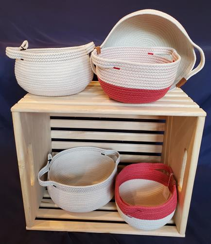 Gallery Image Round_baskets_in_crate.jpg