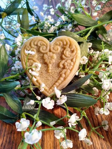 Gallery Image victorian_heart.jpg