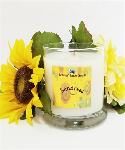 Fresh fragrance with hints of floral and fruit.  Great Spring type Scent.
