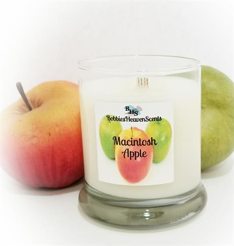 A juicy, crisp fragrance of freshly cut macintosh apples straight from the orchard.