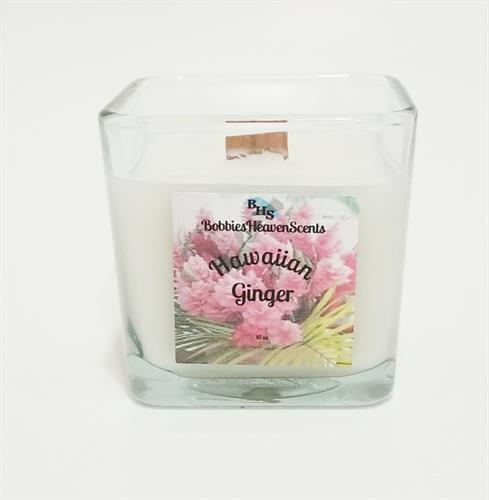 Wonderful spa line fragrance with tropical notes of pineapple, melon, and crisp apple. Floral notes of rose and jasmine on a nice base of vanilla and musk.