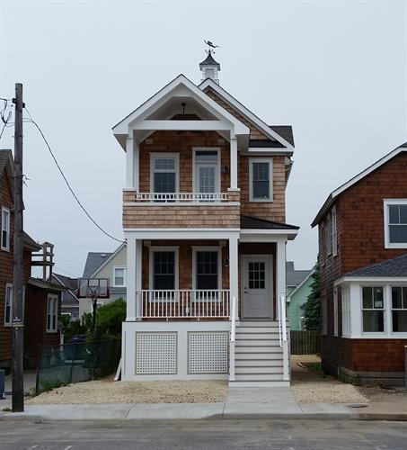 Narrow Lot Custom in Historic District
