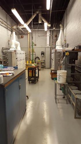 Epoxy non slip floor coating for chemical plant