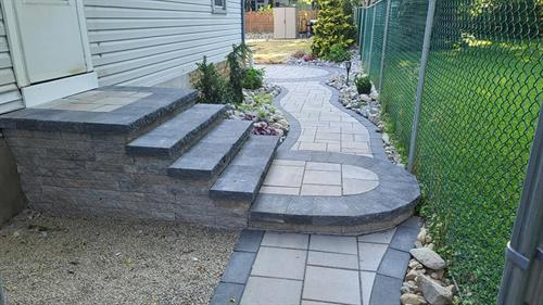square steps with round pad