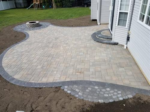 Patio, firepit, with curves and round step