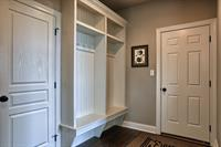 Gallery Image OGL-055_Mudroom.jpg