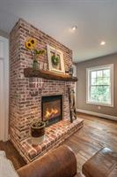 Gallery Image 432_Ross_Fording_Lane-small-022-14-FirePlace-334x500-72dpi.jpg