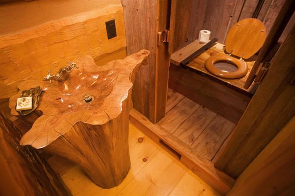 Gallery Image bathroom31(1).jpg