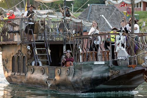 Pirates on the Pecos cruises on the Pecos River
