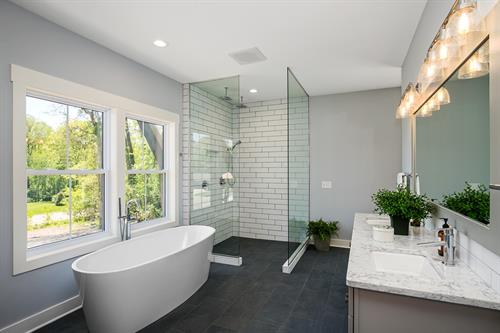 Gallery Image Master_Bathroom_Reynolds_(Medium).JPG