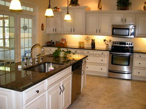 Beautiful large kitchen with island.