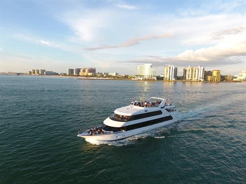 Yacht StarShip IV