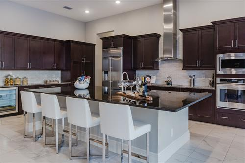Gallery Image kitchen_2_T_and_R.jpg