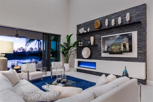 Gallery Image living_view_fireplace_T_and_R.jpg