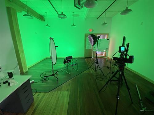 We got in studio lights!