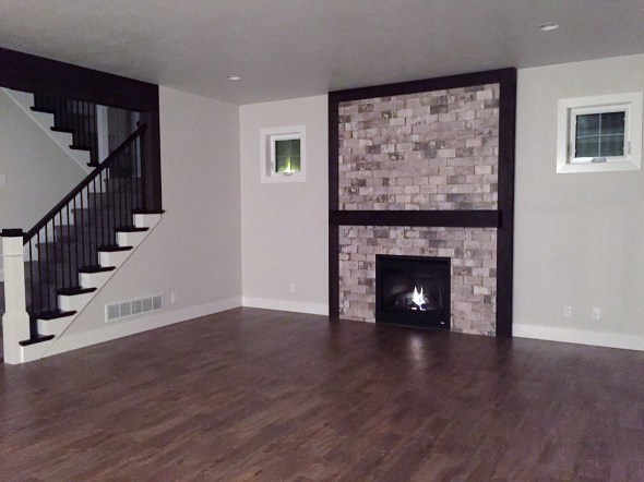 5391 N Amethyst fireplace