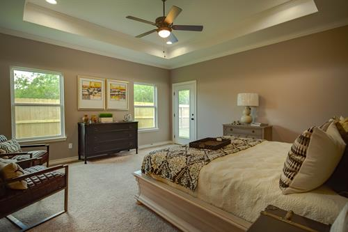 Gallery Image 2018_parade_master_bedroom.jpg