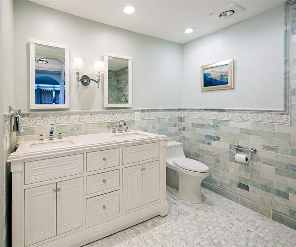 Leesburg Universal Master Bathroom