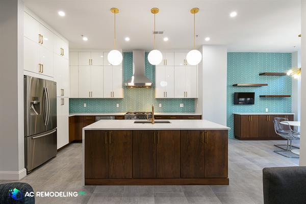 Contemporary dual tone kitchen