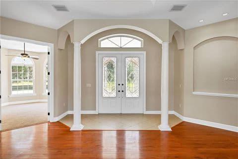 Gallery Image front_doors_interior.jpg