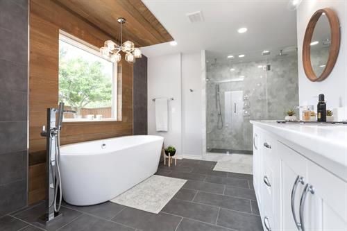 Modern Bathroom Renovation in Dallas
