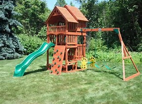Let JUNK KING remove that old play structure