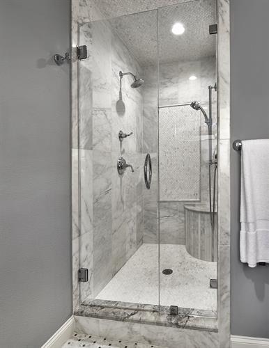 Mistletoe Master Shower
