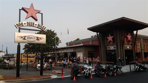 Macs Bar & Restaurant