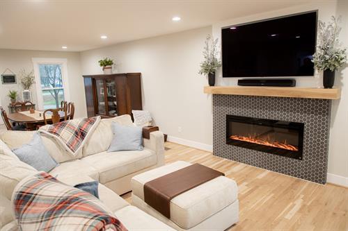 Gallery Image Living_Room_Fireplace_3.jpg