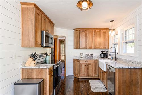 Rustic Modern Bungalow Kitchen Cabinets