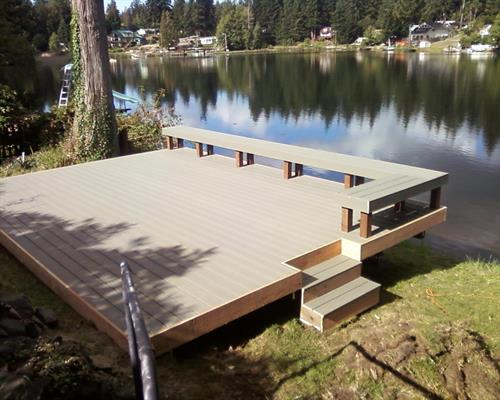 Composite Deck with bench and stairs
