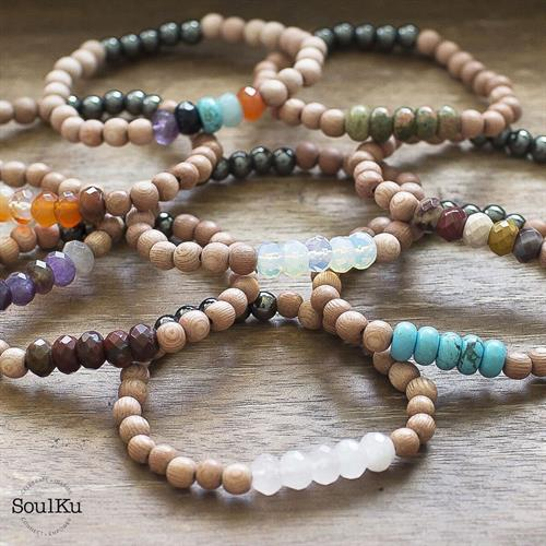 the-rave'n-image-soulku-stretch-gemstone-bracelets-made-by-moms-made-in-the-usa-moab-utah-the-raven-image-ethically-crafted
