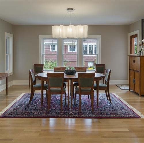 Gallery Image Dining_Room_In_LEED_Platinum_Home.jpg