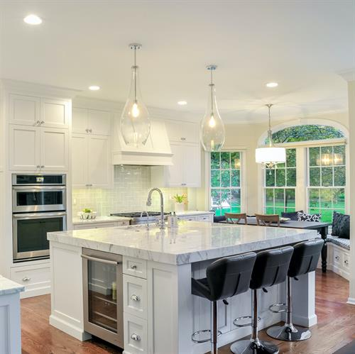 Gallery Image White_Kitchen_with_Carrera_Marble.jpg