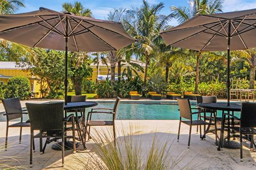 Gallery Image HDR_Pool_Umbrellas.jpg
