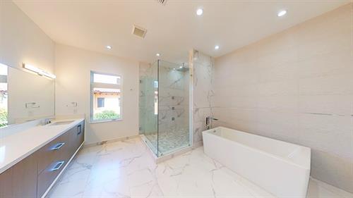 Bathroom Picture 9