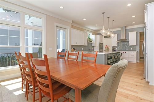 Gallery Image Dining_Table._Kitchen.jpg