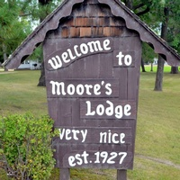 Moore's Lodge