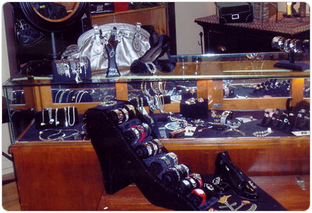 Gallery Image evamariesjewelry.jpg