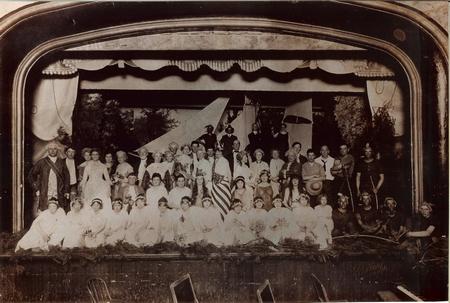 Gallery Image 1909_deChamplain-play1.jpg
